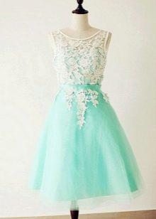 Бирюзово-белое платье