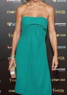 Бирюзовое платье средней длины