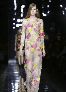 Полупрозрачное вечернее платье в пол с цветами