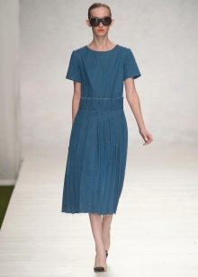 Платье из денима с короткими рукавами