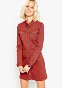 Красное джинсовое платье