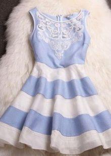 Голубо-белое платье