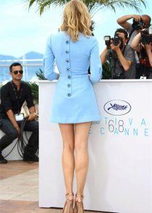 Небесный оттенок голубого платья