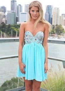 Бирюзовый оттенок голубого платья