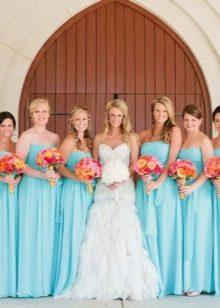 Голубые платья подружек невесты