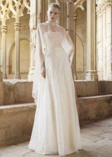 Свадебное платье от Raimon Bundo  с накидкой
