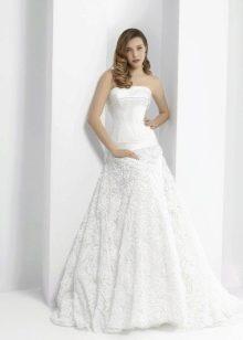 Свадебное платье от Pepe Botella с корсетом