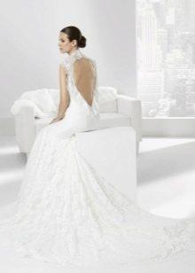 Свадебное платье от Franc Sarabia с вырезом на спине