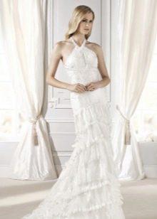 Свадебное платье с бретелью опоясывающей шею