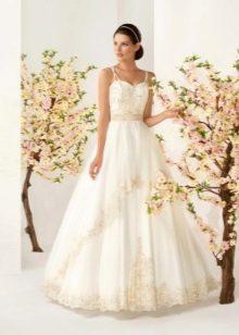 Свадебное платье пышное с вышивкой