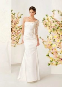 Свадебное платье из коллекции отражение от Kookla с одним рукавом