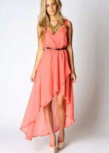 Коралловое платье в сочетание с бежевым