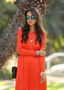 Рыже-терракотовое коралловое платье