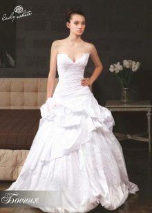 Свадебное платье из коллекции Мелодия любви от Lady White а-силуэта