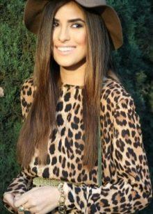 Леопардовое платье с рукавами