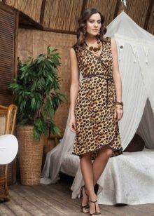 Леопардовое платье с запахом