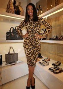 Платье-футляр леопардовой расцветки
