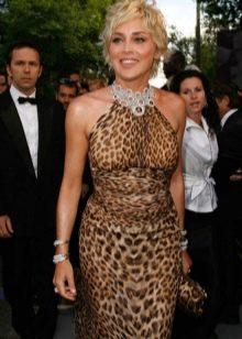 Аксессуары и украшения к леопардовому платью