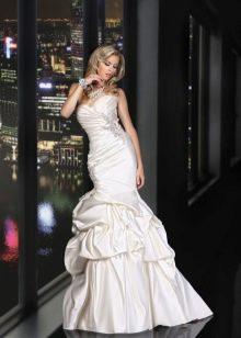 Свадебное платье русалка с драпировкой