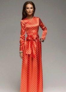 Оранжевое платье в белый горох