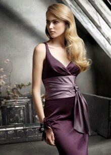 Платье цвета баклажан для блондинки