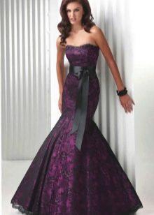 Платье цвета баклажан в сочетание с черным