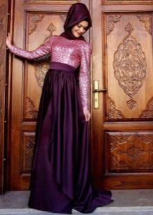 Баклажановое платье в сочетание с розовым