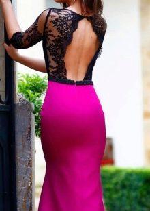 Платье цвета фуксии с черным кружевным верхом