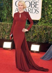 Наоми Уоттс в длинном платье цвета марсала