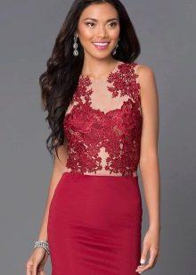 Платье цвета марсала с кружевом