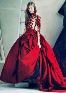 Платье цвета марсала с кружевной вставкой