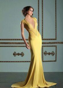 Горчичное красивое платье
