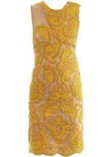 Кружевное горчичное платье