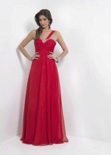 Длинное платье малинового цвета