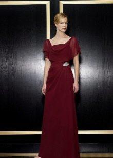 Платье цвета бургунди