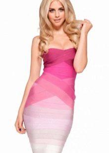 Платье цвета фуксии в сочетание с белым
