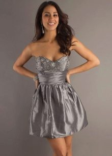 Серое платье стального оттенка