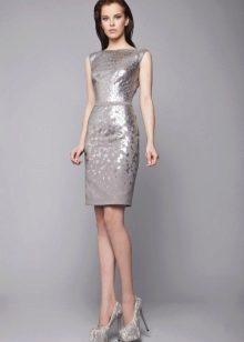 Серебристый серый цвет платья