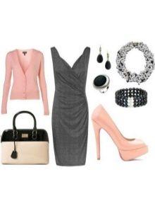 Розовые аксессуары к платью серого цвета
