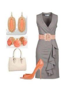 Серое платье и яркие туфли