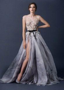 Бесподобное серое платье