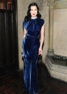 Дита фон тиз в темно-синем бархатном платье