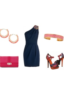 Красные туфли к темно-синему платью
