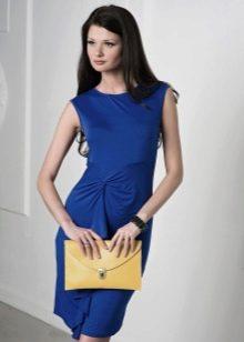 Платье-футляр темно-синего цвета