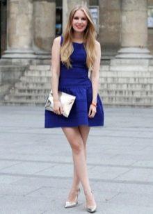 Туфли к темно-синему платью