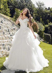 Свадебное платье от Tulipia пышное с многослойной юбкой