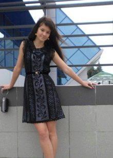 Вязаное платье короткое а-силуэта