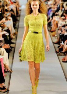 Вязаное платье зеленое расклешеное