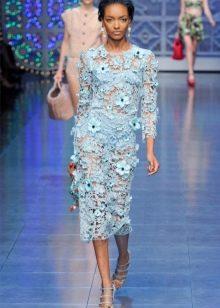 Вязаное летнее платье голубое