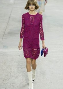 платье на спицах вязаное